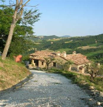 Shared- Pools- holiday- rental marche